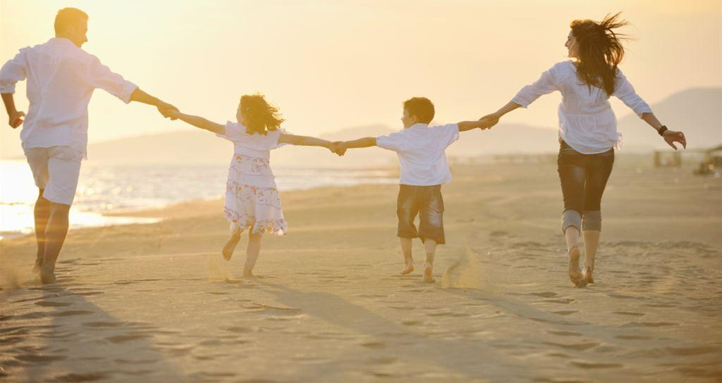 family-beach-3